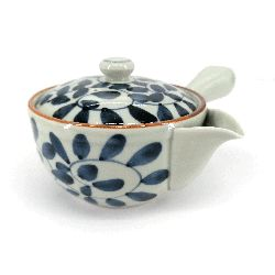Japanese kyusu ceramic teapot with removable filter and enamelled interior, white and blue - KARAKUSA